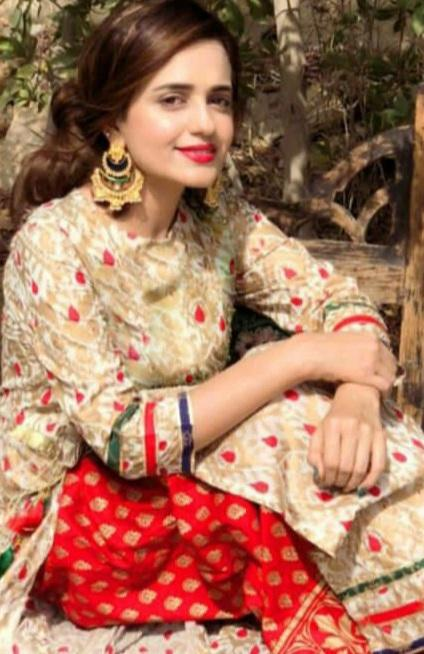 Zahra Ahmad 1801-Embroided 2pc linen dress shirt & trouser.