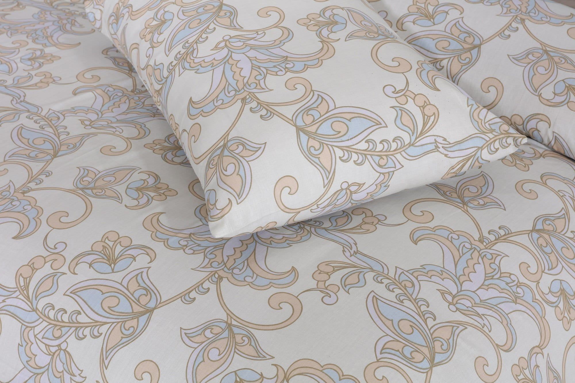 Grace D406-Cotton PC King Size Bedsheet with 2 Pillow Covers.