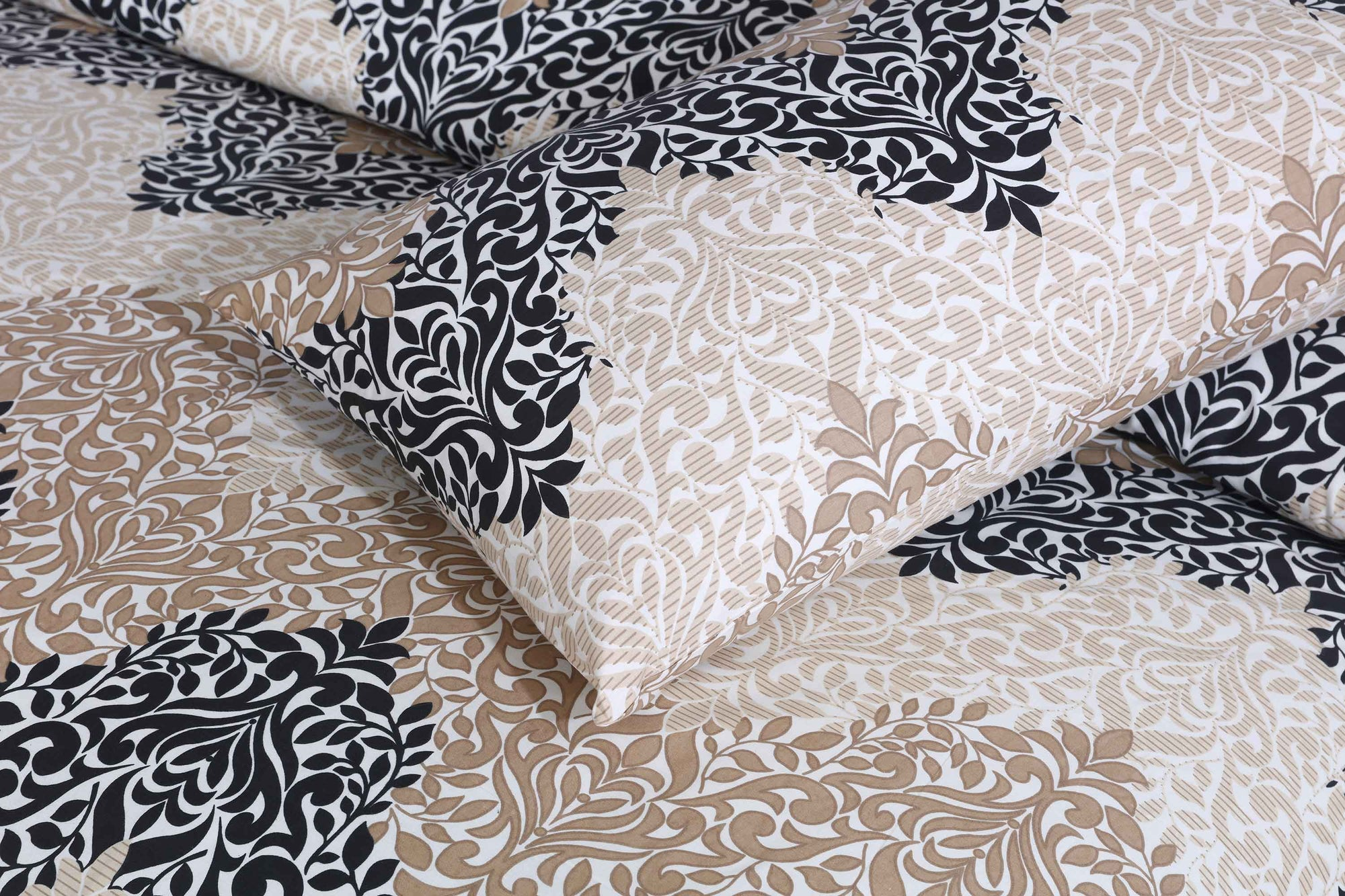 Grace D101 - Cotton Mix King size Bedsheet with 2 pillow covers.