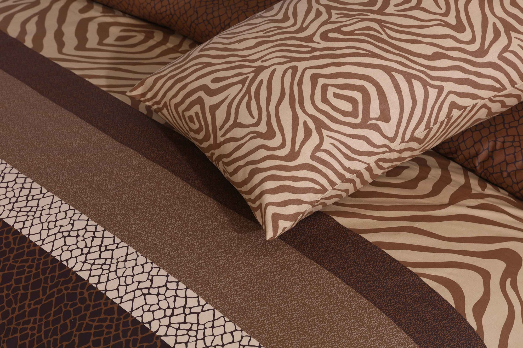 Grace Caramel Pattern D102 - Cotton pc king size Bedsheet with 2 pillow covers.