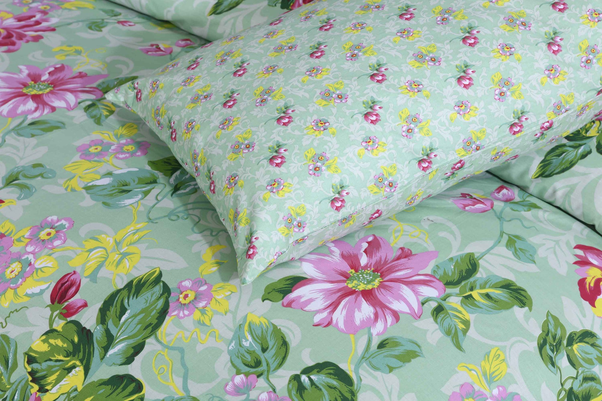Grace Floral Green D103 - Cotton pc king size Bedsheet with 2 pillow covers.