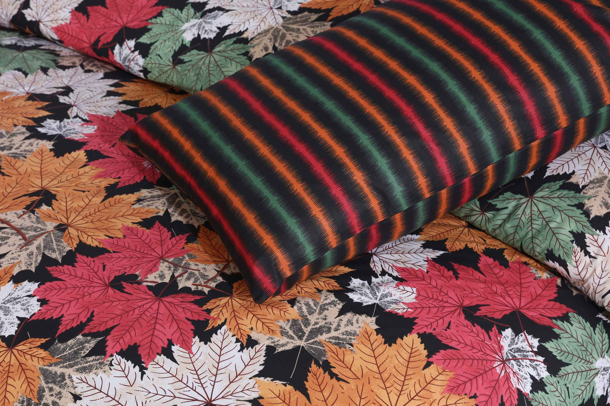 Grace Autumn Flowers D104 - Cotton pc king size Bedsheet with 2 pillow covers.