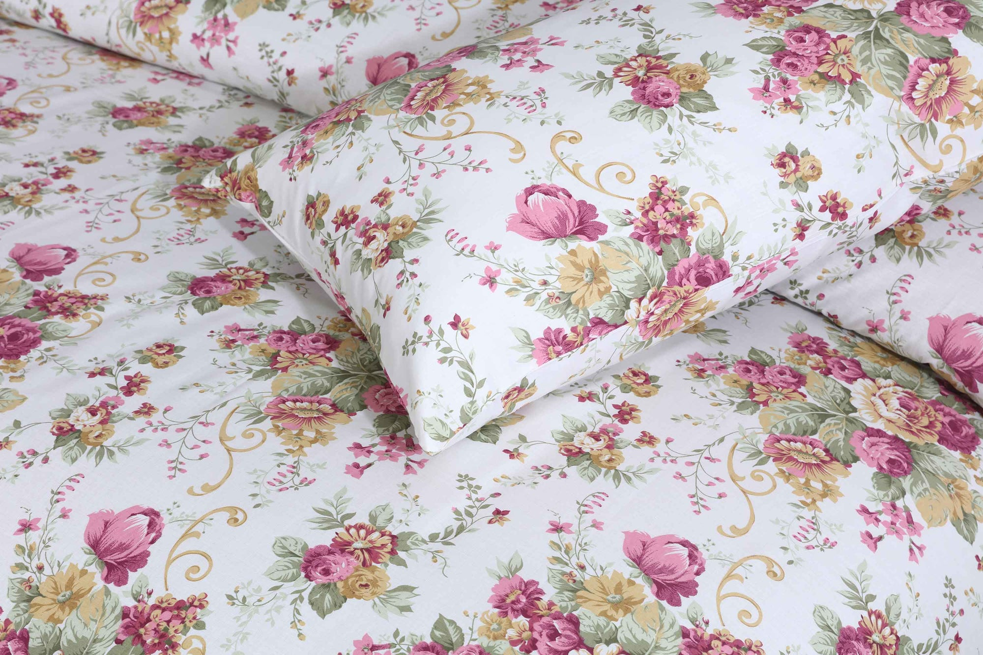Grace Pink Bliss D105 - Cotton pc king size Bedsheet with 2 pillow covers.