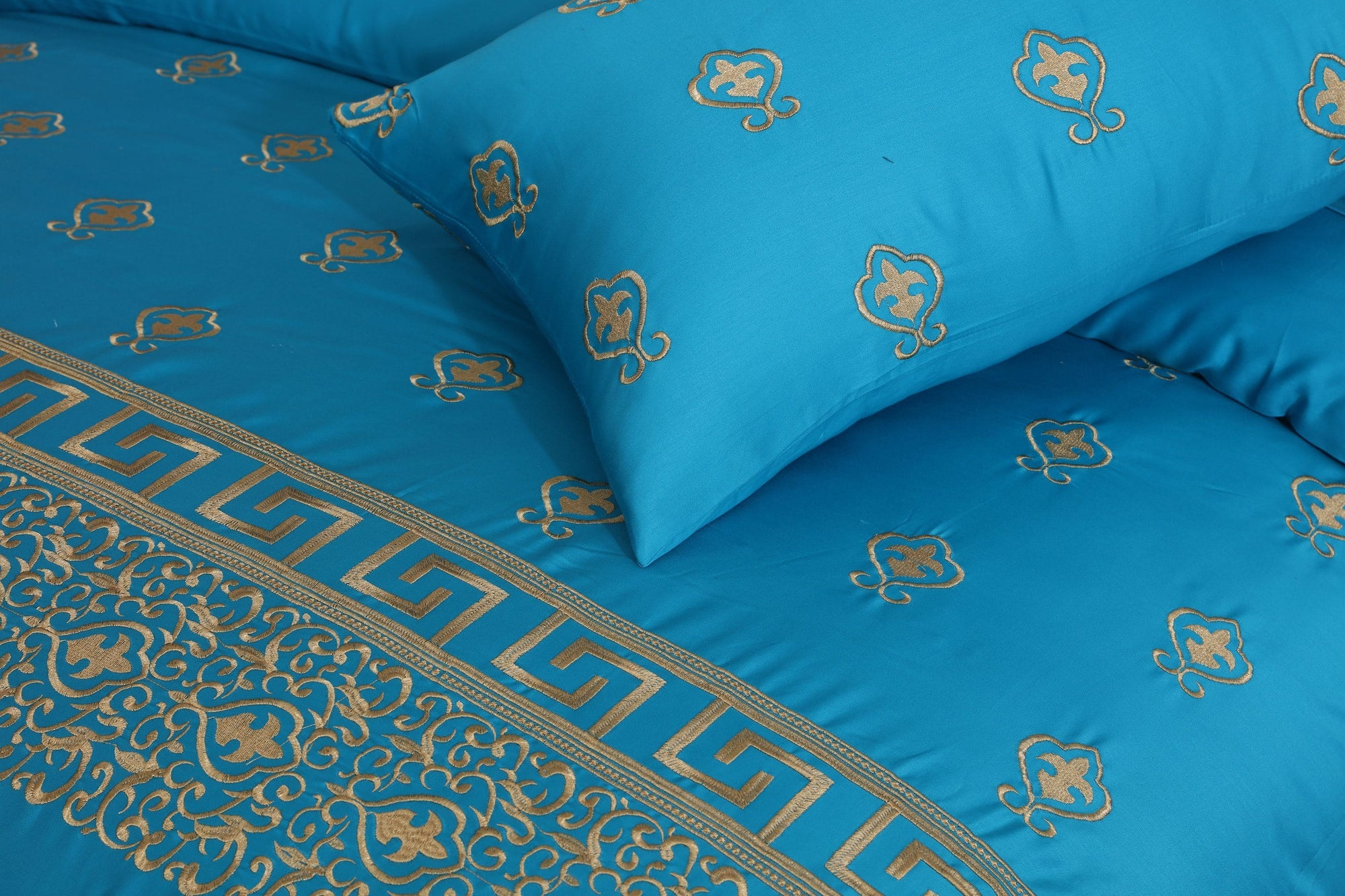 Grace Ultramarine D02 - 6PC Embroidered Luxury Sateen Duvet Cover Set King Size