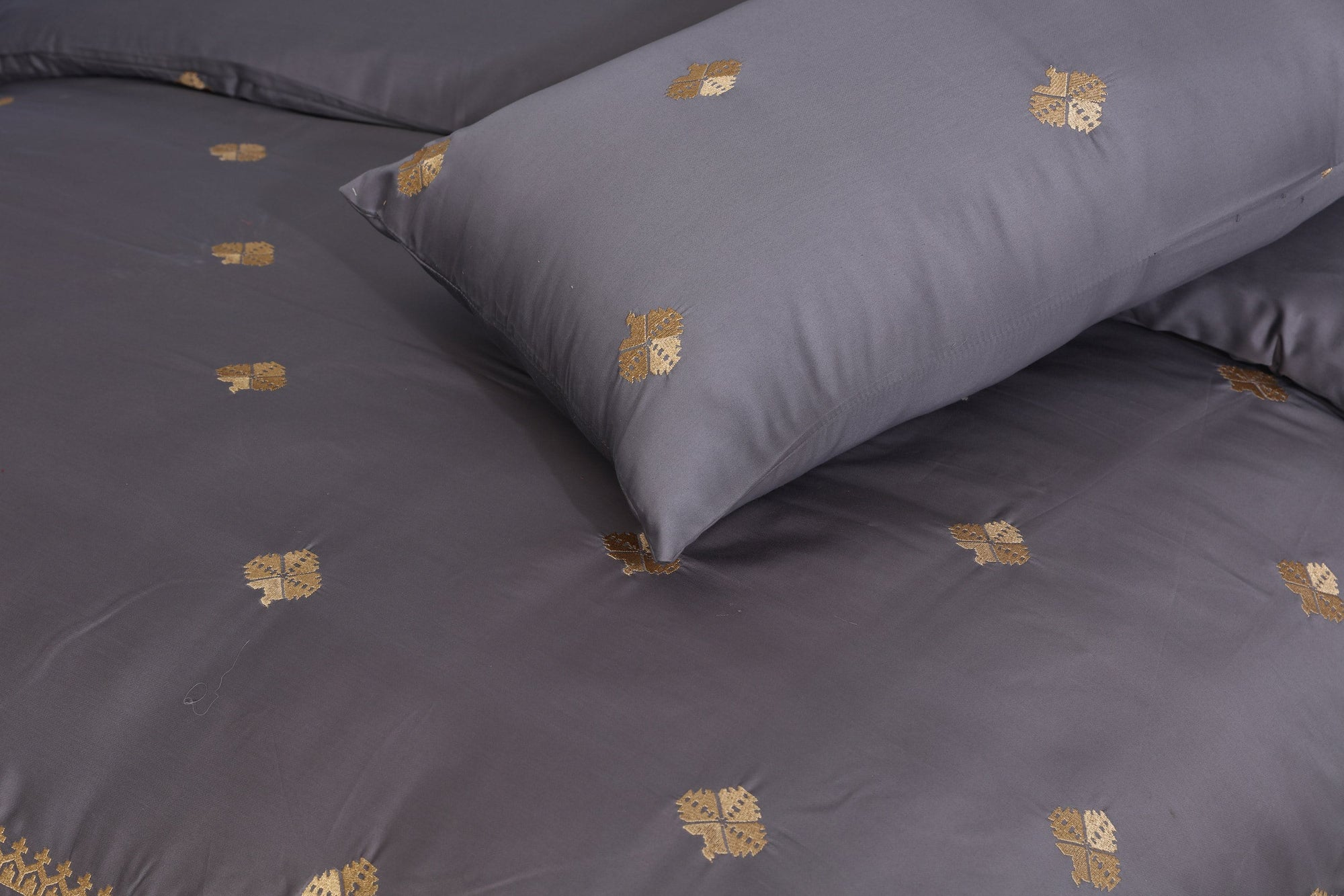 Grace Ashen D03 - 6PC Embroidered Luxury Sateen Duvet Cover Set King Size