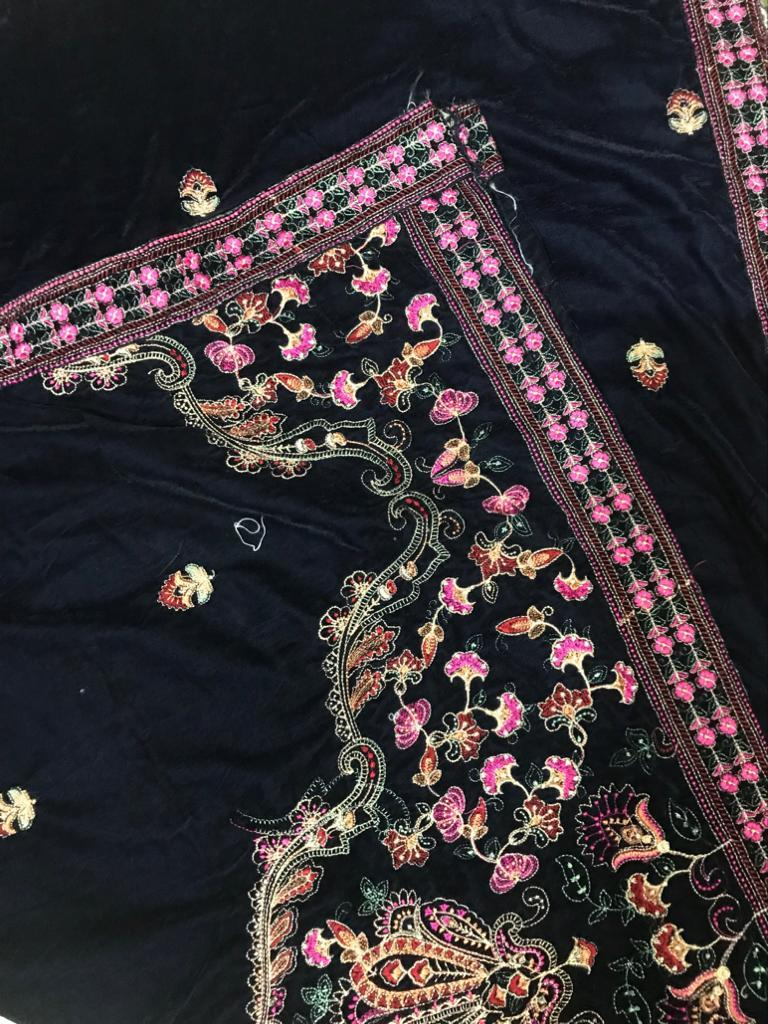 Sarinnah D72-Embroided Fine quality Velvet shawl.