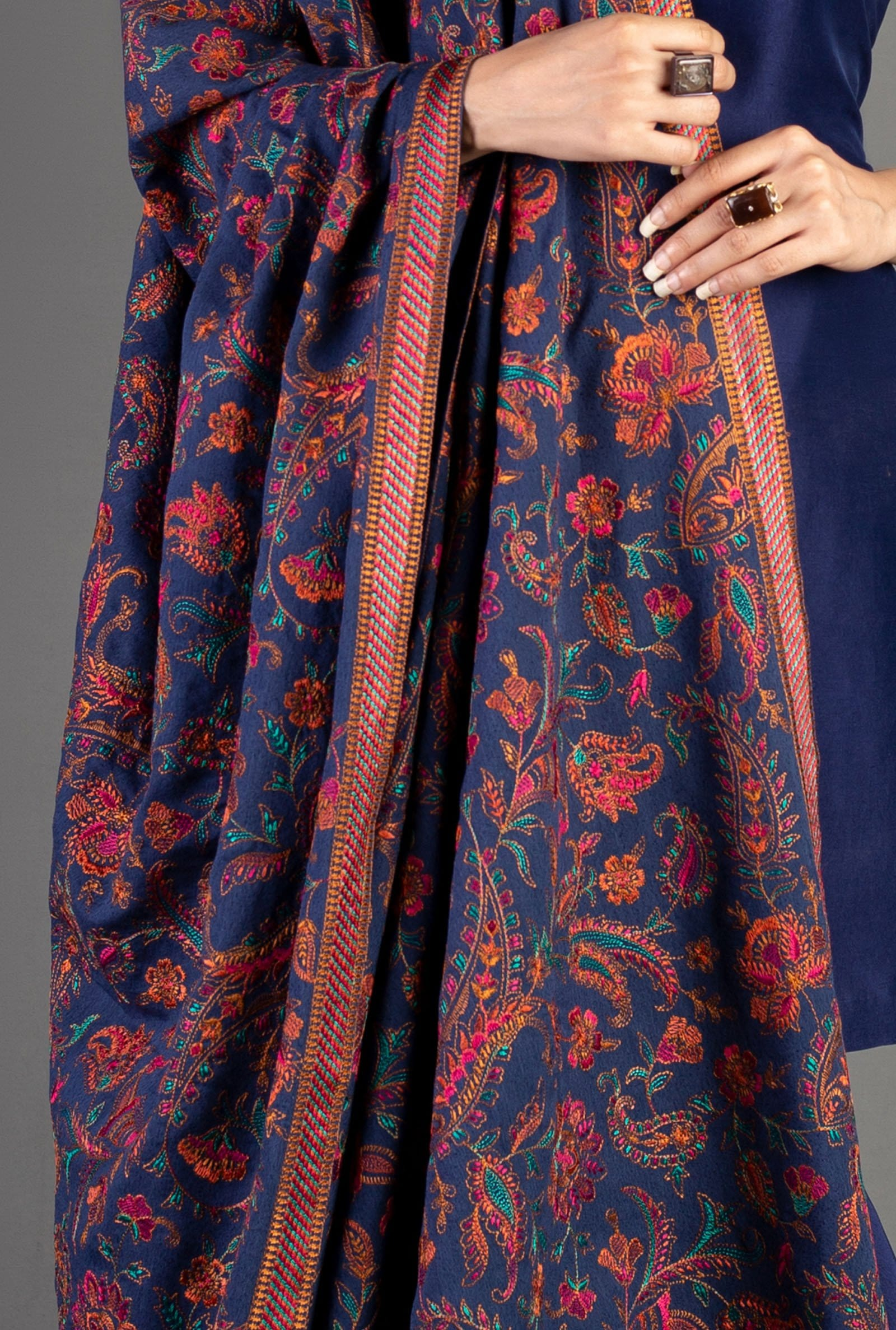 Sarinnah D17-Formal heavy Embroidered Karandi Lawn Shawl