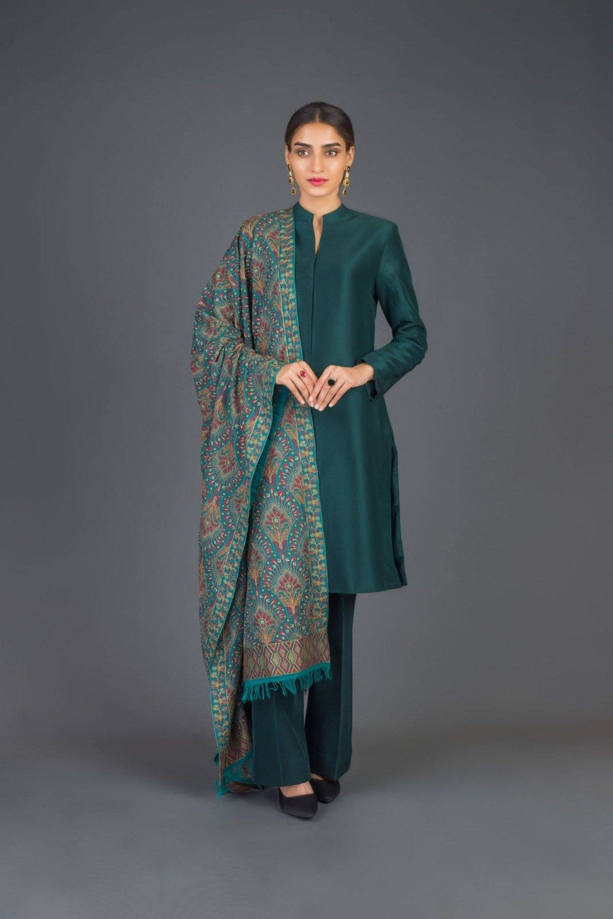SARINNAH D70- FORMAL HEAVY EMBROIDED KARANDI LAWN SHAWL. - gracestore.pk