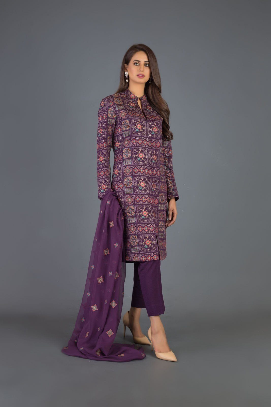 Sarinnah D51-Heavy Embroided 3pc khaddar dress with chiffon dupatta. - gracestore.pk