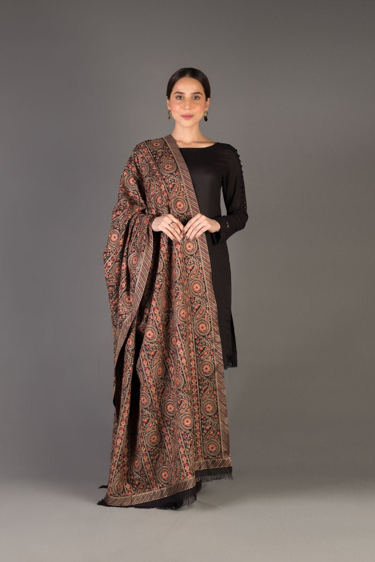 Sarinnah D27-Formal heavy Embroidered Karandi Lawn Shawl