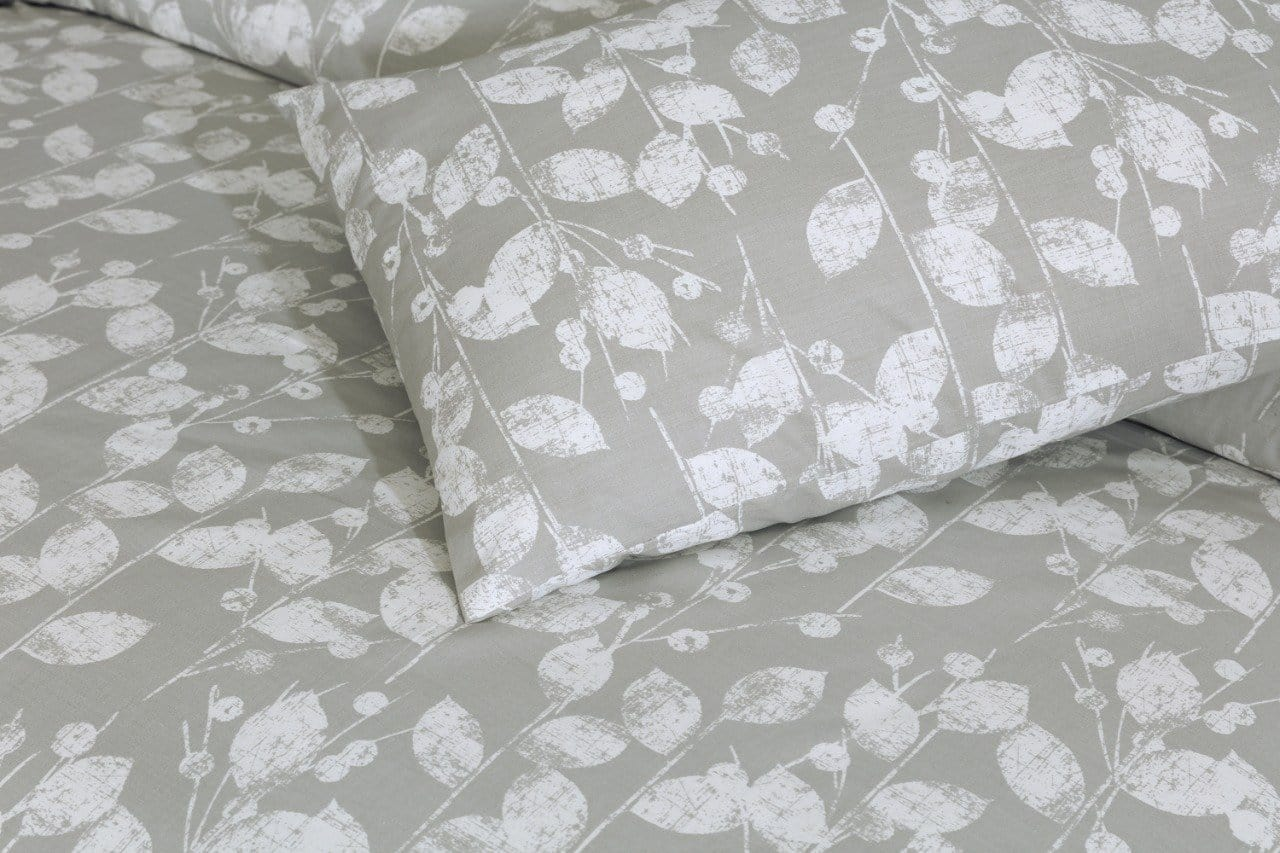 Grace D215-Cotton PC King Size Bedsheet with 2 Pillow Covers.