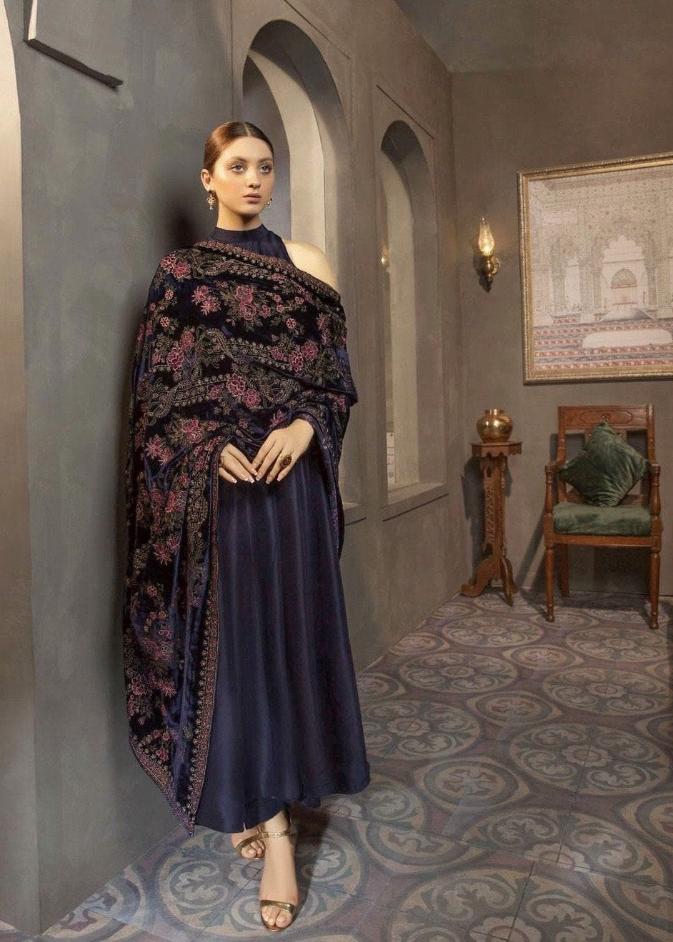 Sarinnah Premium 06 navy blue-Embroided Fine quality Velvet shawl.