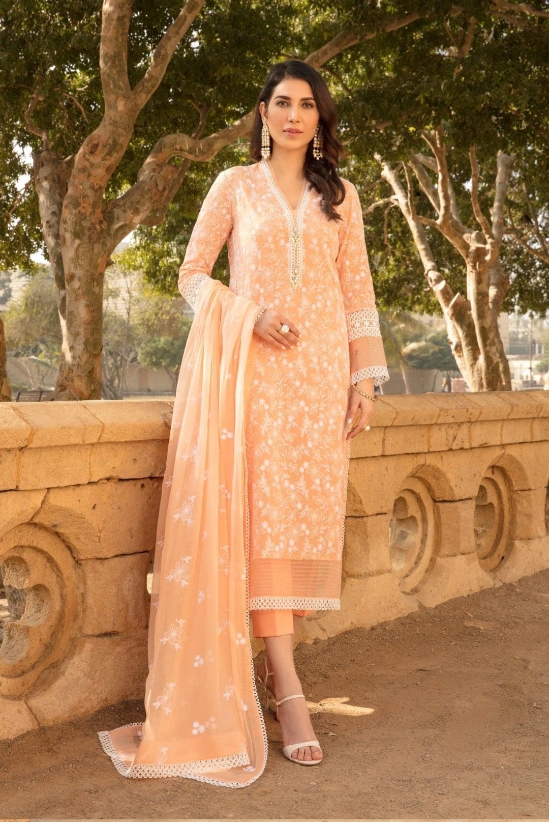 Bareeze 310 -Embroidered 3pc lawn dress with embroidered chiffon dupatta.