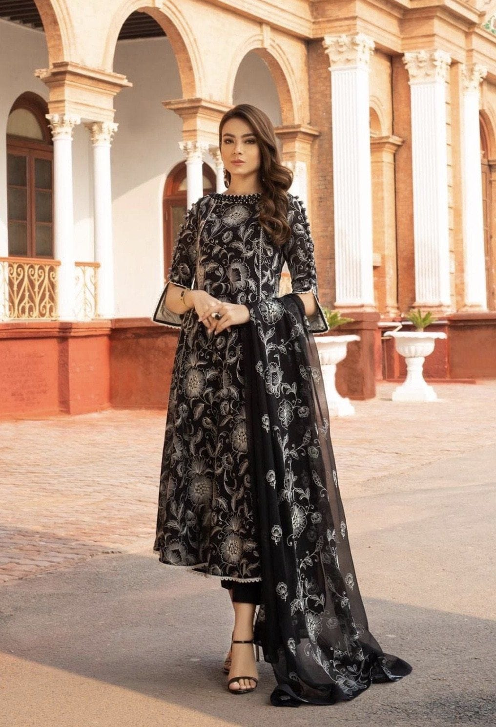 Bareeze 301 -Embroided 3pc lawn dress with embroided pure chiffon dupatta. - gracestore.pk