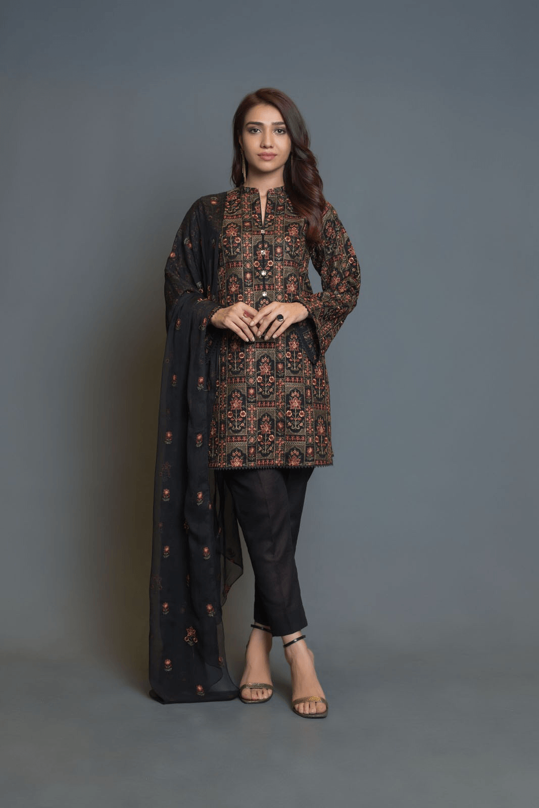 Sarinnah D73-Embroidered lawn karandi 3pc dress with embroidered chiffon dupatta. - gracestore.pk