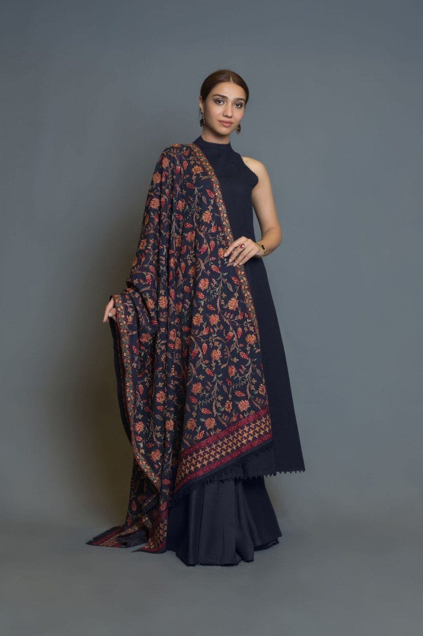 SARINNAH PREMIUM D45-FORMAL HEAVY EMBROIDED KARANDI LAWN SHAWL. - gracestore.pk