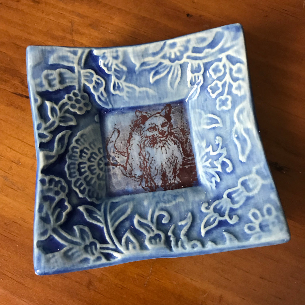 "Dipping Dish - ""Cat in Ireland"" - Delft Blue"