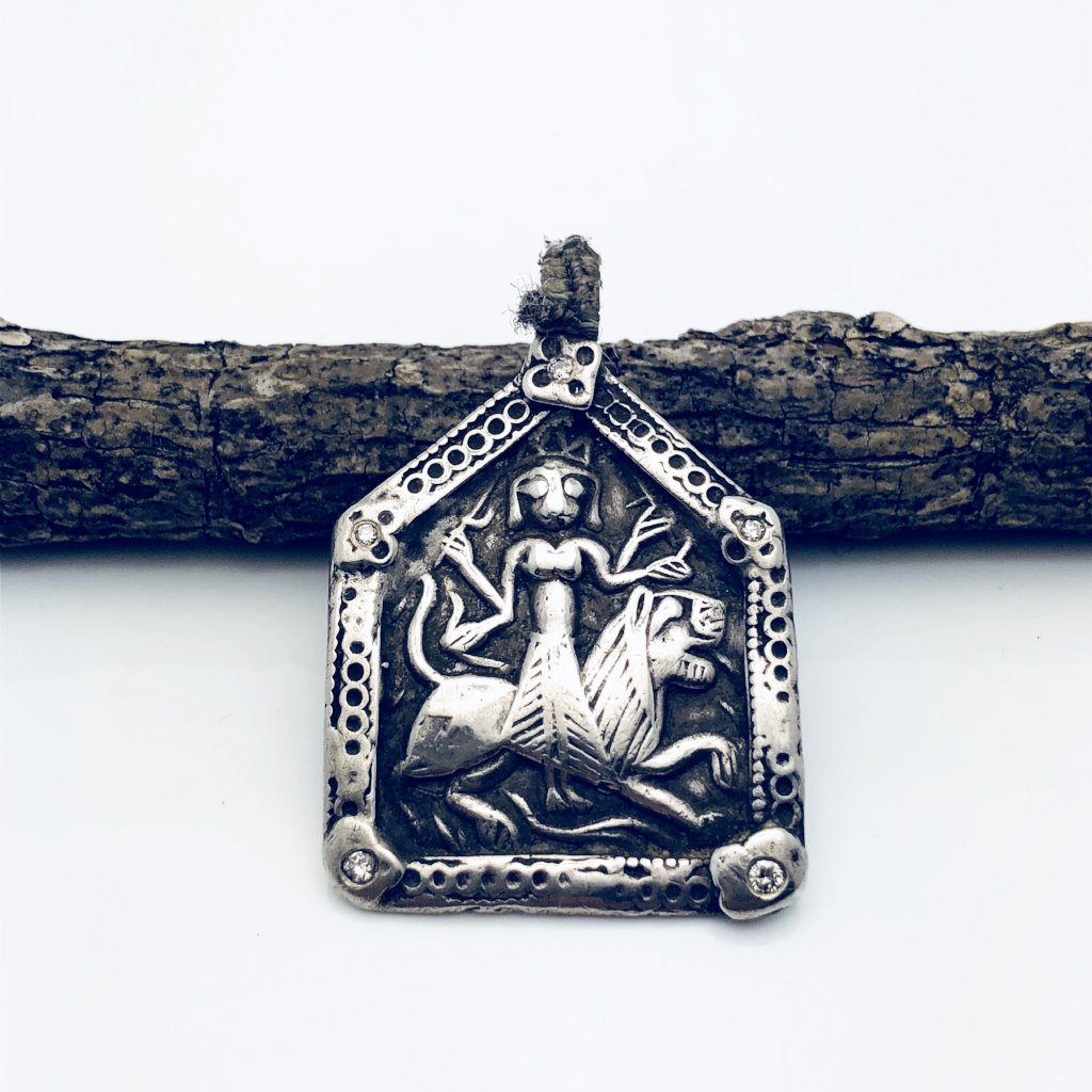 Silver Antique Charm with Diamonds