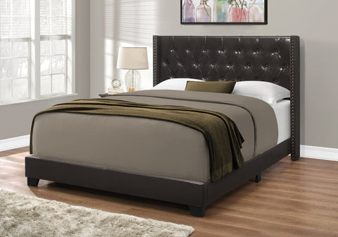 Monarch Bed - Queen Size/Brown Leather-Look With Brass Trim I 5987Q