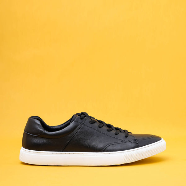 Avesta Black Leather Sneakers