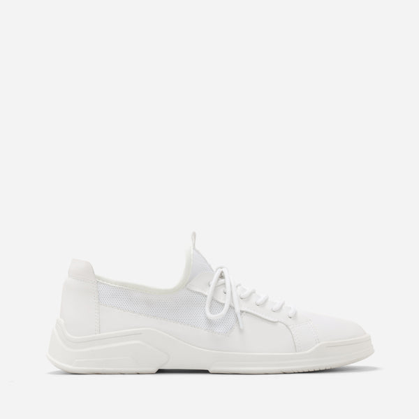 Stjarna White Sneakers