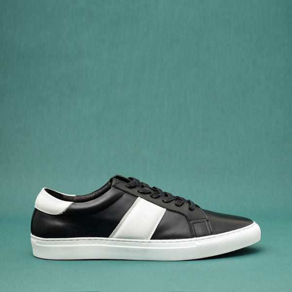 Strimma Black Leather Sneakers