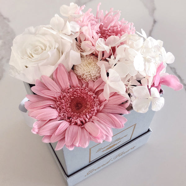 Infinity Pink and White Bloom Box