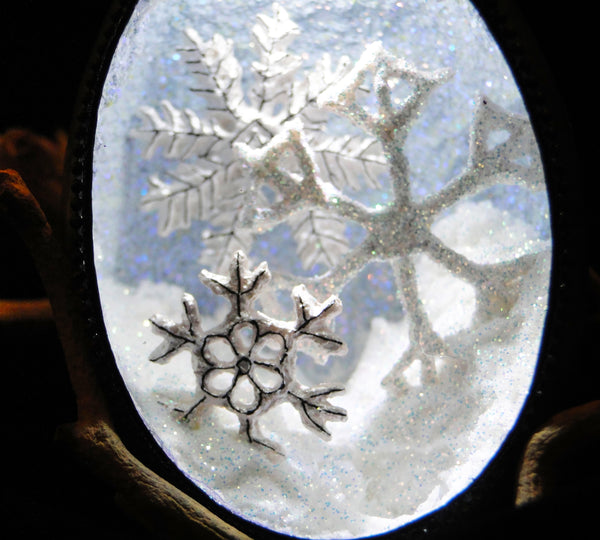 Snowflakes Duck Egg Ornament with LED Light