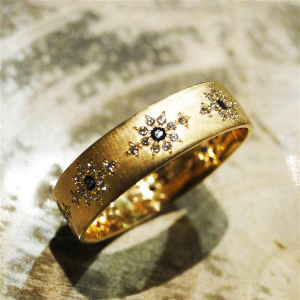 Sapphire and Diamond Shimmer 18K Yellow Gold Ring