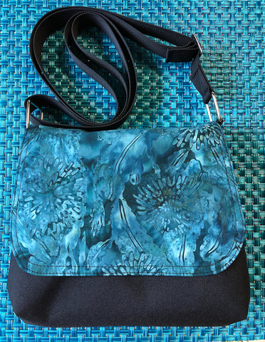 Itsy Bitsy Messenger Purse - Serenity Fabric