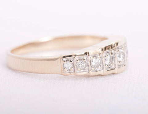 10k Yellow Gold .18tcw Diamond Cathedral Ring Size 7.5""