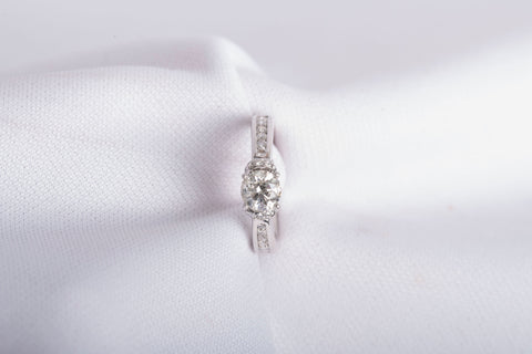 1.07tcw Round Brilliant Cut Diamond Engagment Ring SIze 5