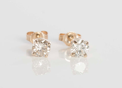 14k Yellow Gold .92ctw Diamond Stud Earrings