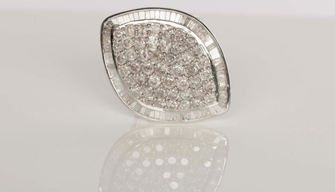 STUNNING 10K 3.35CTW Diamond Ring!!