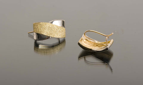 Lever backing of Two-Towned 18K Gold Earrings