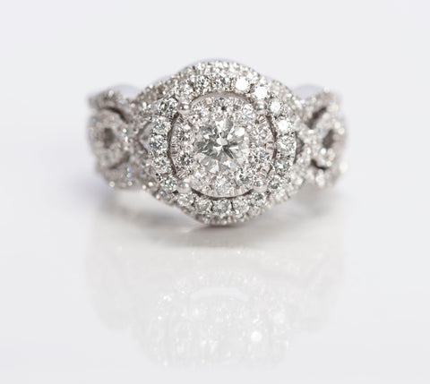 Gorgeous 1.13TCW Diamond Engagement Ring Set
