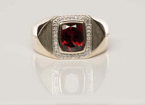 10KY Garnet Diamond Mens Ring Size10 .34TCW