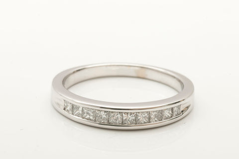 18k White Gold Princess Cut Diamond Band