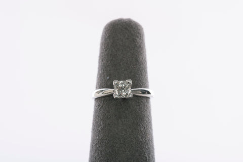 Stunning Platinum & 1/2CT Princess Cut Diamond Solitaire Engagement Ring