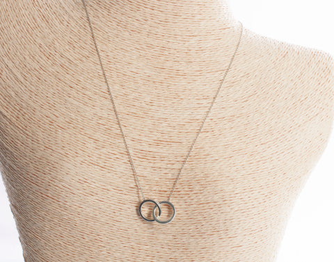Authentic Tiffany & Co Sterling Silver Interlocking Circles Necklace