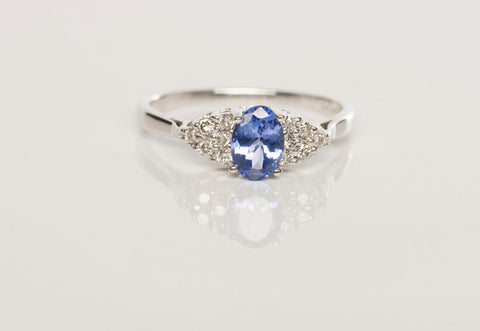 Stunning 14k White Gold LEVIAN Tanzanite Diamond Ring