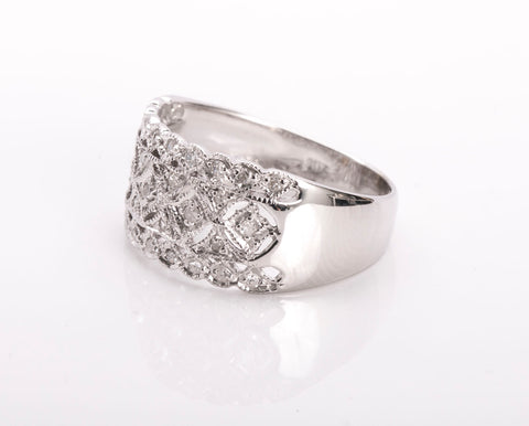 10k Diamond White Gold Band .165 tcw Size 5 3/4
