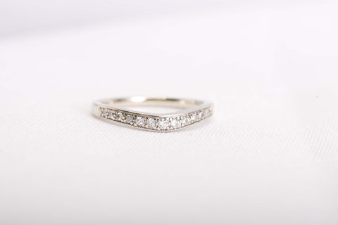 Engagement Band with bend diamond