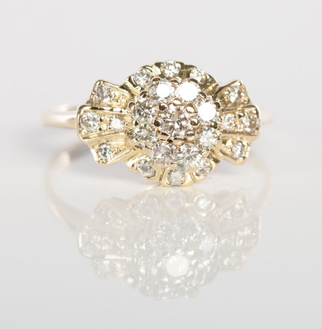 Beautiful Vintage Diamond Ring in 14K Yellow Gold