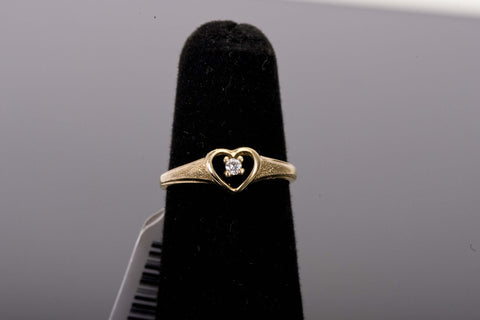 Heart shaped diamond gold ring