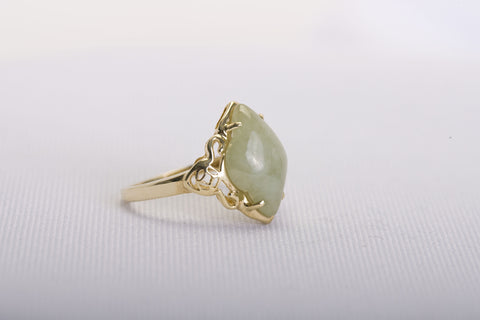 Vintage Yellow Gold Jade Ring