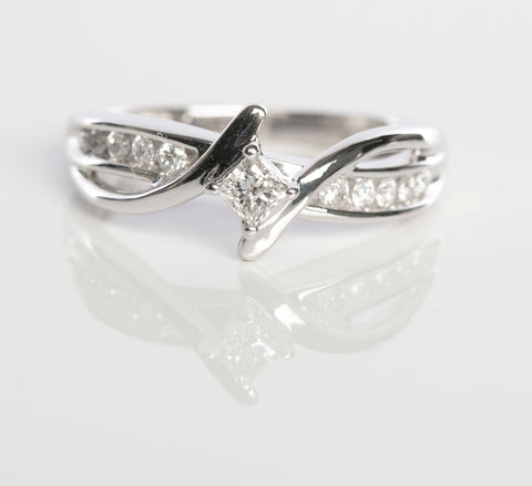 Ladies Diamond Engagement Ring in 10K White Gold!