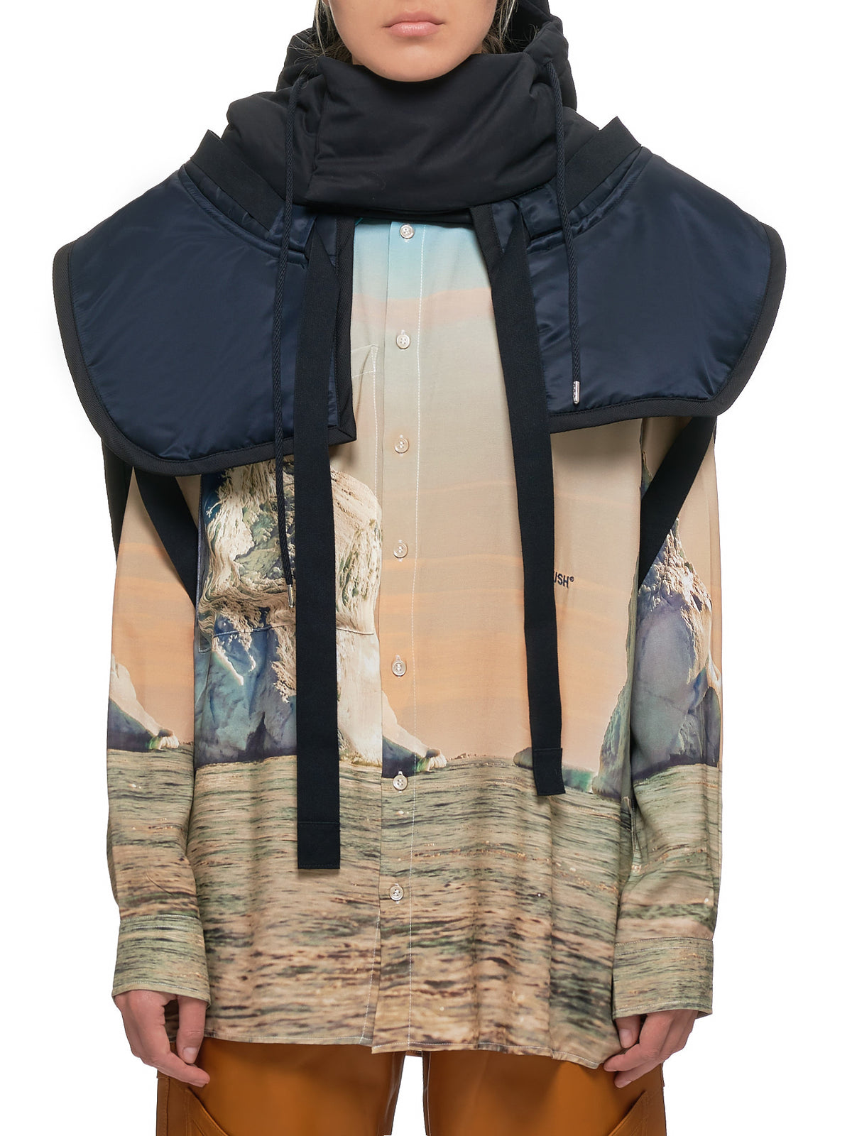 Hooded Vest (12111935-BLACK)