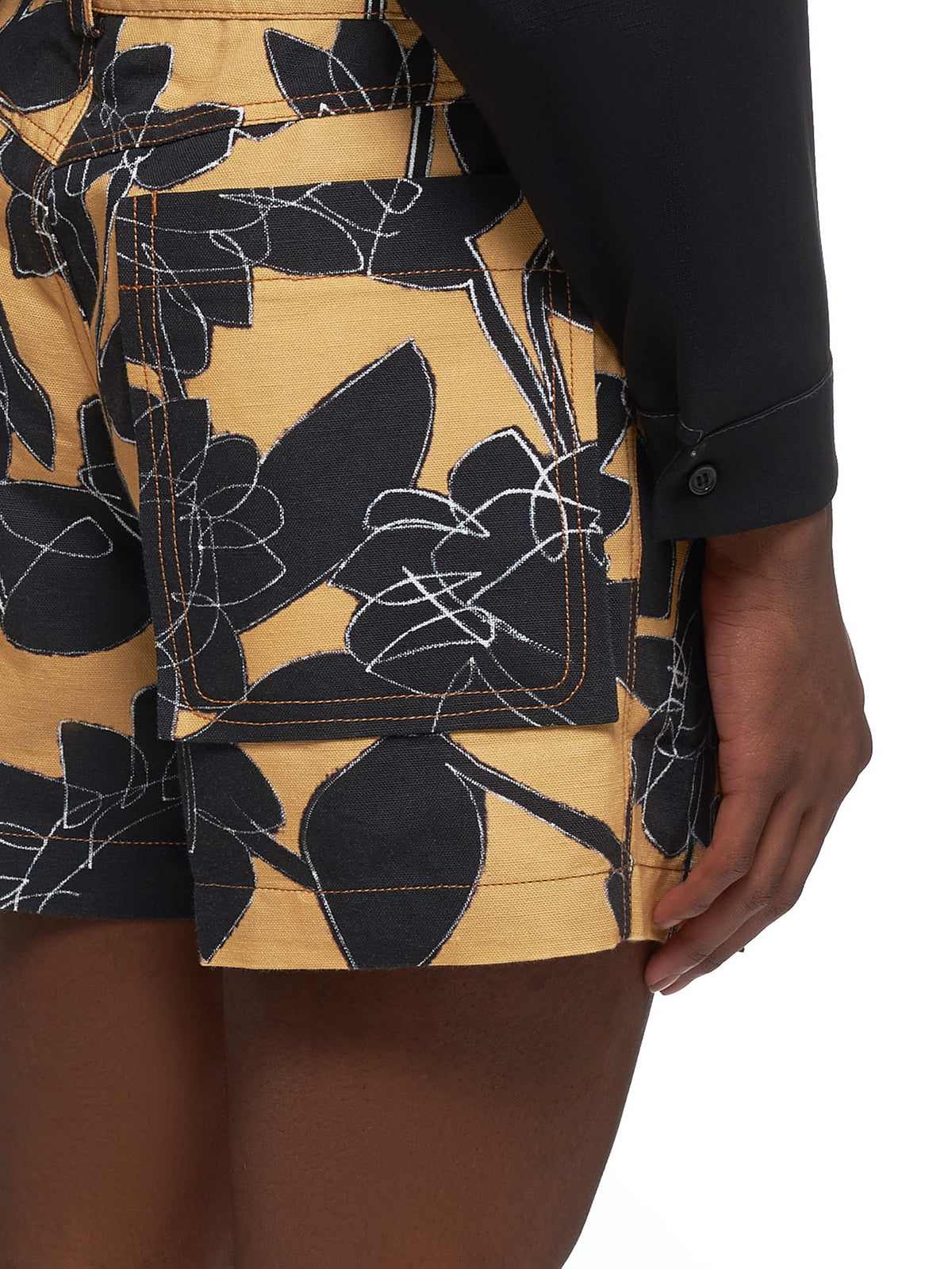 Le Tennis Shorts (205PA06-205-YELLOW-FLOWERS)