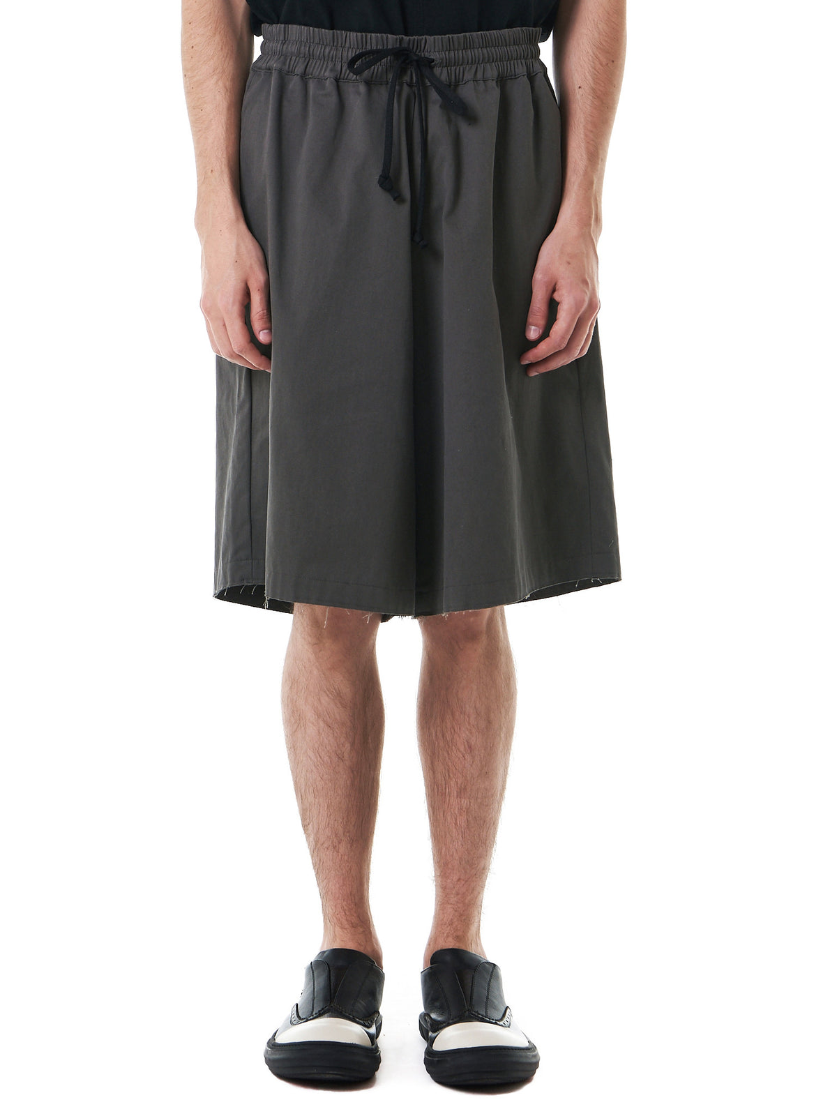 'Gabardine' Elasticized Shorts (713-CO-GR-GREEN) - H. Lorenzo